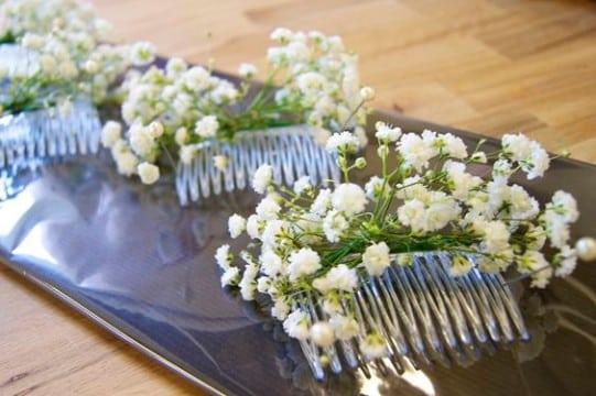 como hacer un tocado de flores para el cabello