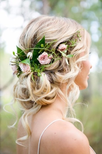 como hacer un tocado de flores para novia