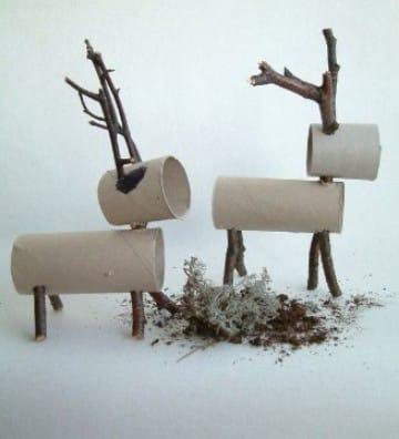 adornos navideños con rollos de papel higienico figuras