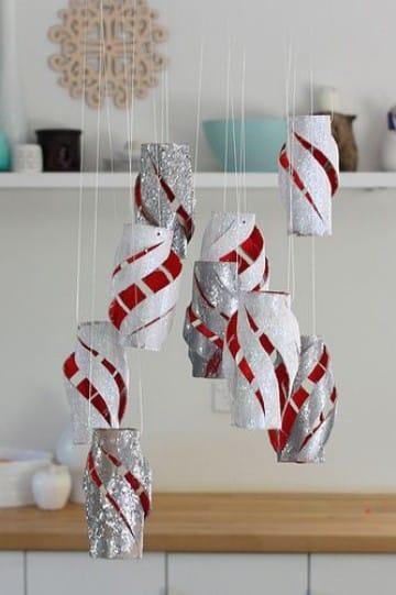 adornos navideños con rollos de papel higienico reciclado