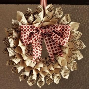 coronas de navidad con material reciclado como hacer
