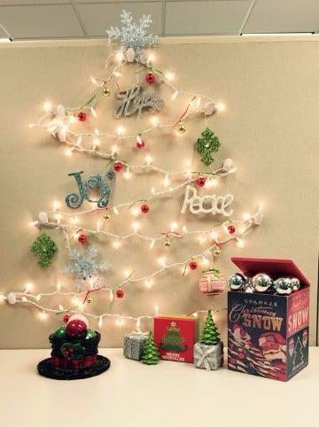 Tendencias de decoracion de navidad para oficina for Adornos navidenos para oficina