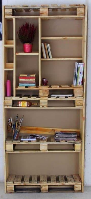estanterias con cajas de madera reciclados