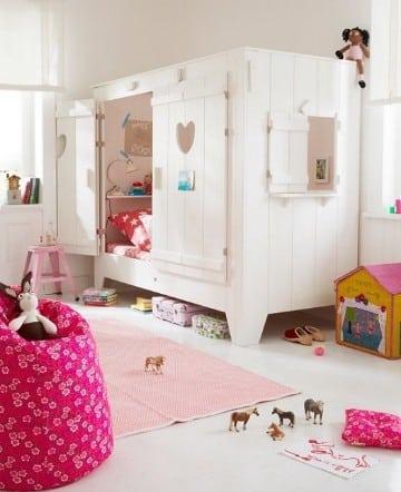 camas en forma de casita madera