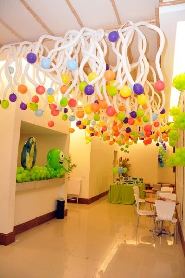 como decorar con globos largos rizar