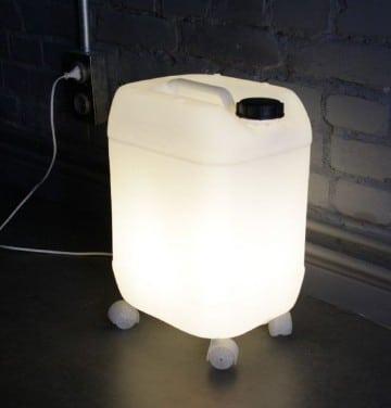 lampara de botellas de plastico material