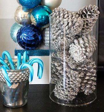 Como decorar con manualidades con pi as secas en navidad for Decoracion con pinas secas