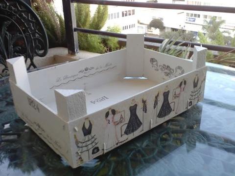 cajas de frutas decoradas y recicladas a lo vintage
