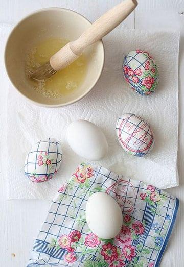 como decorar huevos de pascua facil con papel