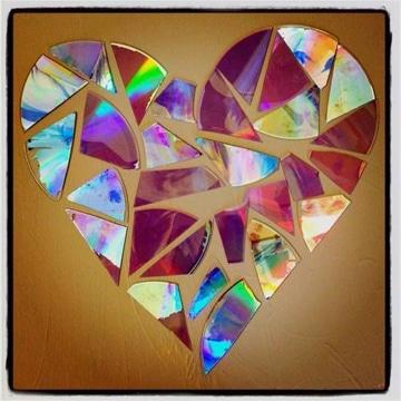 manualidades con cd viejos corazon