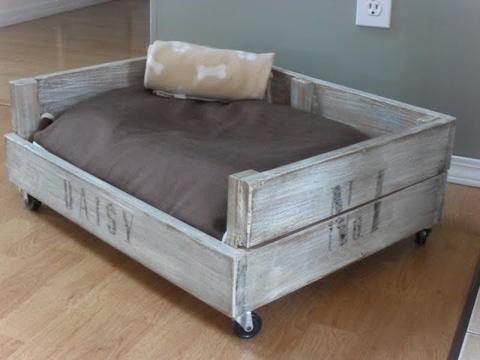 camas para perros recicladas para madera