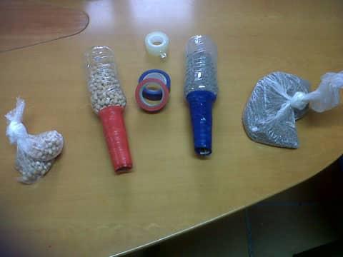 como hacer maracas recicladas sencillas