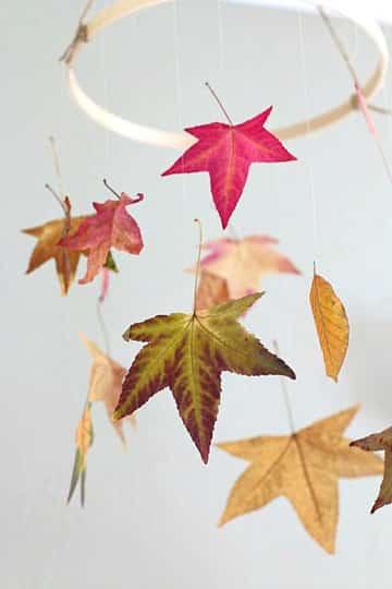 decoracion con hojas secas para niños