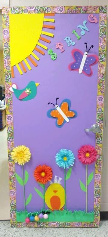 ideas de adornos para puertas decoradas de primavera