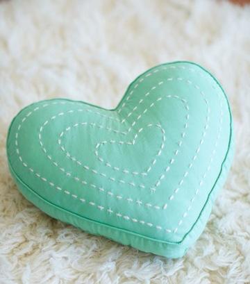 cojines para niños hechos a mano corazon