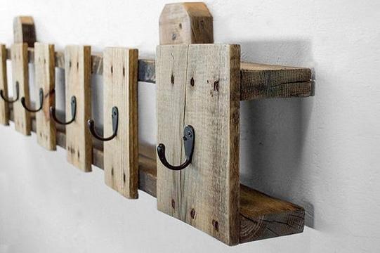 como hacer un colgador de ropa de madera