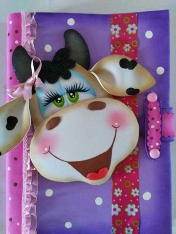 cuadernos decorados en foami vaquita