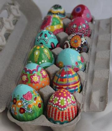 huevos de colores para niños decorados