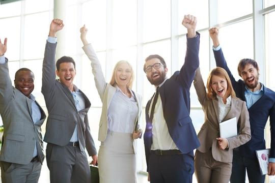 imagenes del dia del trabajo 1 de mayo empleados felices