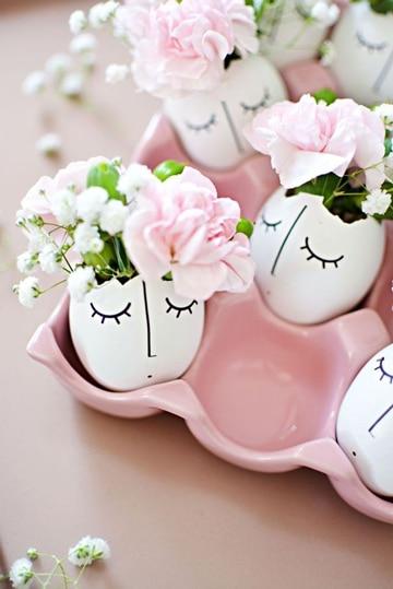 manualidades con cascaron de huevo florero
