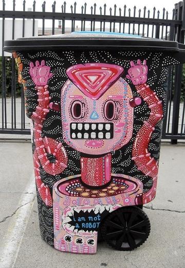 botes de basura decorados super coloridos