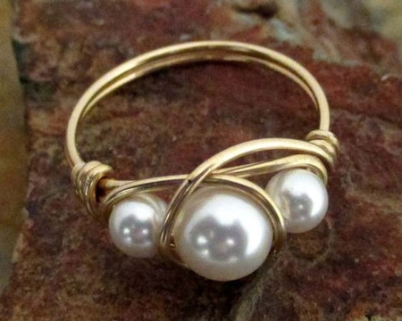 como hacer anillos de bisuteria con perlas