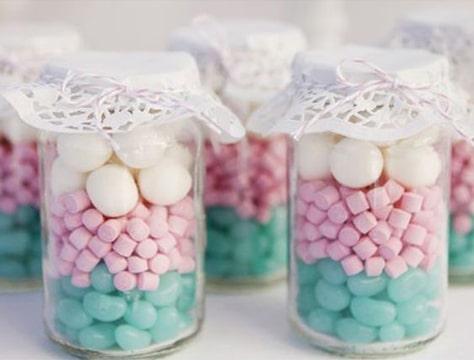 frascos decorados para cumpleaños con dulces
