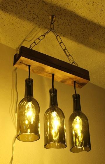 lamparas con botellas de vino cortadas