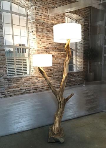 lamparas con material reciclable tronco madera