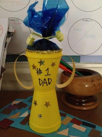 regalos para papa hechos por niños de reciclaje