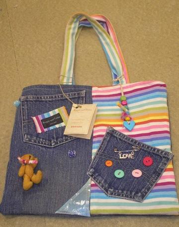 diseño atemporal a7710 e070e Anímate con estas estilosas carteras de jeans hechas a mano