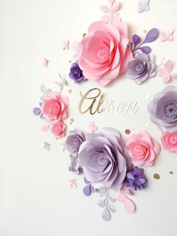 como elaborar flores de papel decorativas