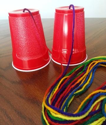 como hacer un telefono con vasos plasticos