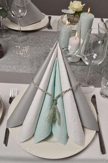 doblado de servilletas de papel decorativas