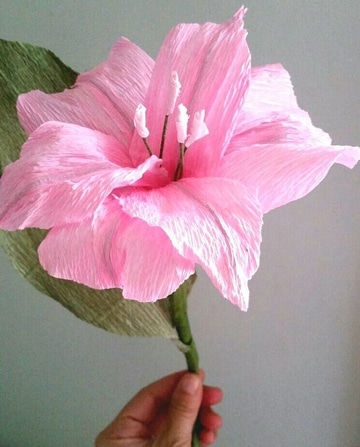flores grandes de papel crepe manualidades