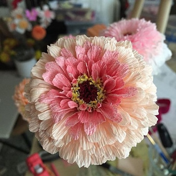 flores grandes de papel crepe muy bonitas
