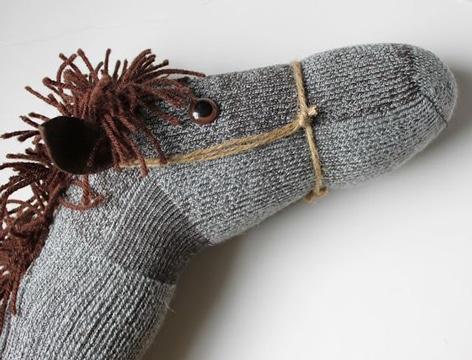 muñecos hechos con calcetines faciles