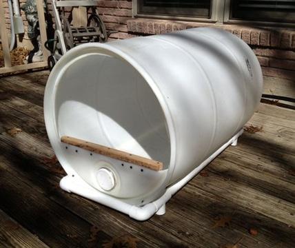 casas de plastico para perros reciclando