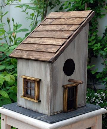 casitas de madera para pajaros pequeña