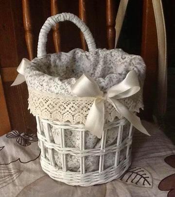 cestas de mimbre decoradas con telas