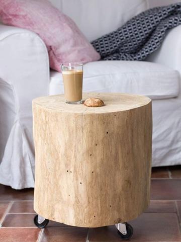 mesas de troncos de madera con ruedas