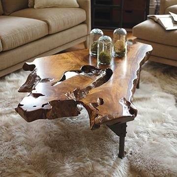 mesas de troncos de madera escultoricas