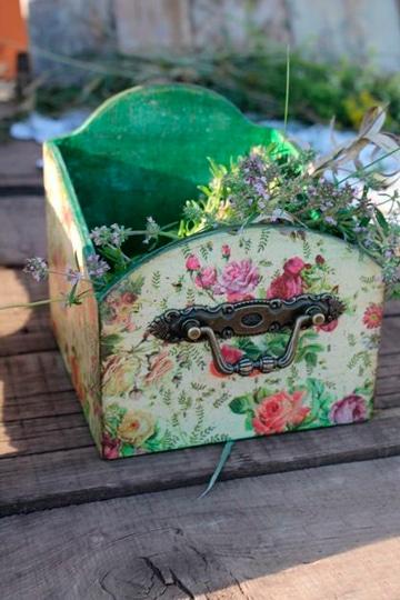 pintar cajas de madera de fruta con flores