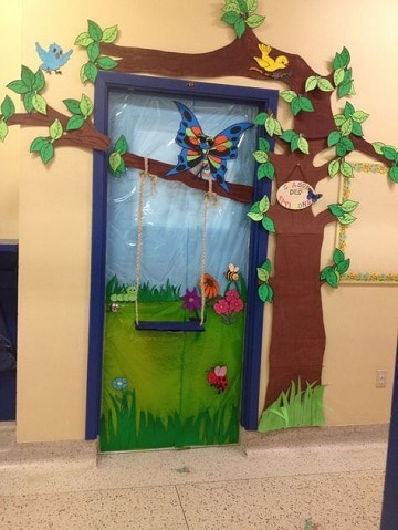 adornos primavera para preescolar puerta