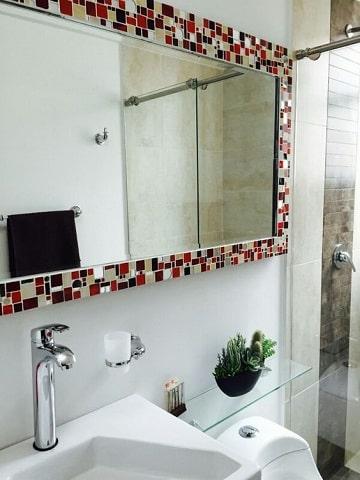como decorar un espejo para baño manualidades