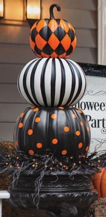 decoracion de calabazas para halloween pintadas a mano
