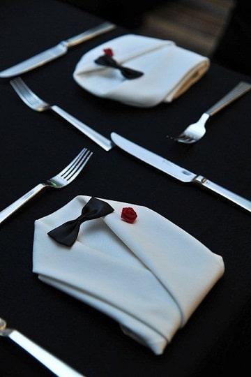 figuras con servilletas de tela para boda