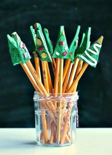 lapices decorados con goma eva navidad