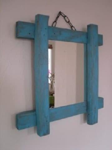 Los marcos para espejos reciclados como los necesitas hoy for Como hacer un espejo con marco de madera