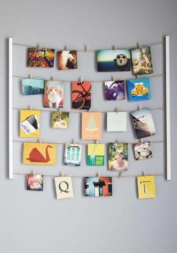 paredes decoradas con fotos colgadas